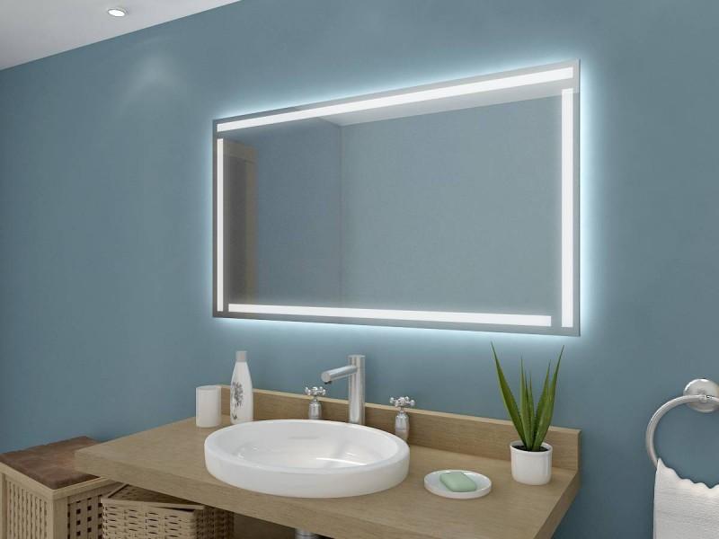 Badspiegel beleuchtet Annie
