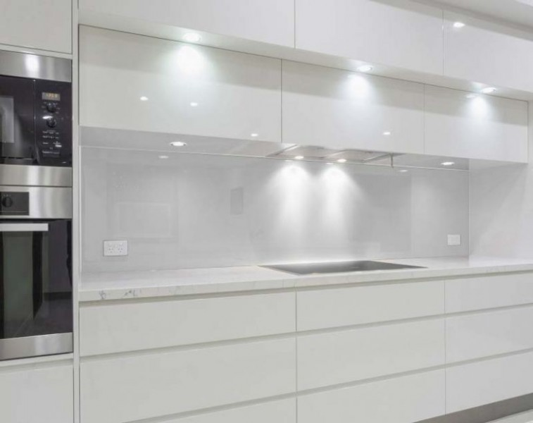 Küchenrückwand - GRAU / SILBER metallisch glänzend