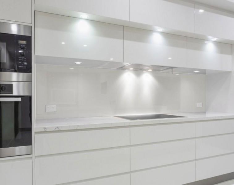 Küchenrückwand nach Maß - WEISS / ALPINWEISS - REF 9003