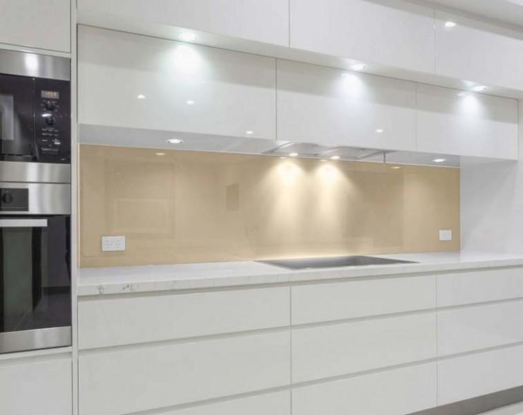 Nischenwand Glas Küche - HELL-BEIGE / ELFENBEIN