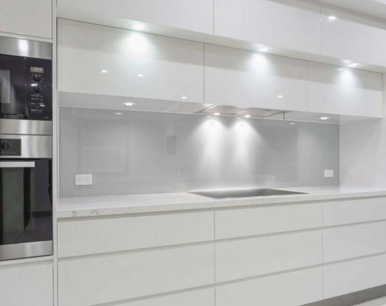 Küchenrückwand - kühles HELLGRAU / GRAU - REF 7035