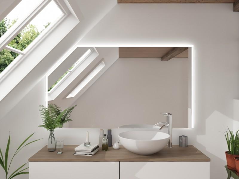 LED Badspiegel mit Dachschräge Zanpak