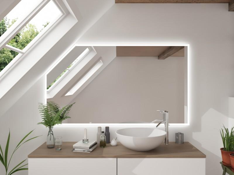 LED Badspiegel mit Dachschräge Kenenaka